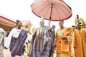 The Ooni with his entourage